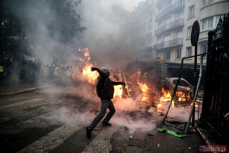Fransız basınından darbe iddiası