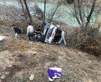 Hentbol takımını taşıyan minibüs kaza yaptı