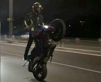 Motosikletli maganda köprüde böyle ilerledi