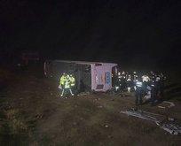 Yolcu otobüsü devrildi: 1 ölü, çok sayıda yaralı var