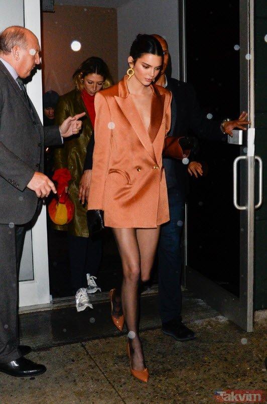 Kendall Jennera Yayında Ayakkabı Ve Terlik Yedirdiler Galeri