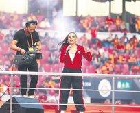 İrem Derici Türk Telekom'u salladı