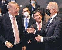 Financial Times, Türkiye'nin F-16 hamlesinin, ABD Başkanı Biden'i köşeye sıkıştırdığını yazdı