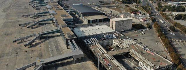 Bir devir kapanıyor! Atatürk Havalimanı'nda yıkım başladı