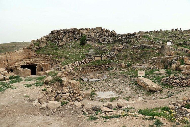 Diyarbakır'daki gizemli tapınakta yeni koridorlar ortaya çıkarıldı