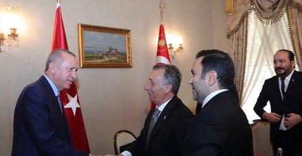 Başkan Erdoğan İstanbul'da Ahmet Nur Çebi ve yönetim kurulu üyelerini kabul etti