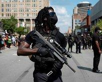 ABD'de eylemciler şimdi de silahlandılar