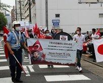 Türk bayraklarıyla sokağa indiler