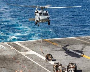 Fotoğraflar peş peşe geldi! ABD donanmasına ait gemi...