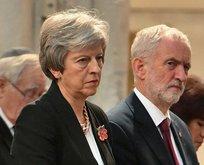 İngiltere Başbakanının konvoyuna araç daldı