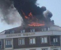 İstanbul'da korkutan yangın! Küle döndü