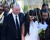 Rihanna'nın gözyaşları