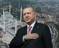 Bayram namazını Çamlıca Camii'nde kıldı