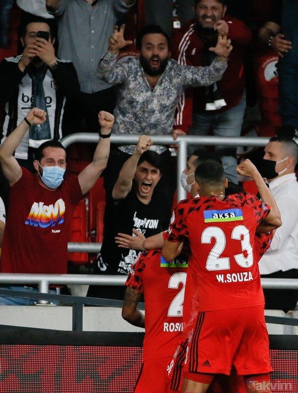 Ziraat Türkiye Kupası kazanan Beşiktaş kupayı kaldırdı! İşte kutlamalardan kareler...