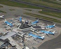 Schiphol Havalimanı'nda şok! Sistem çöktü
