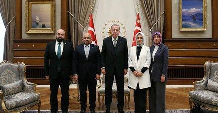 Başkan Erdoğan Yeşilay başkanı Öztürk'ü kabul etti