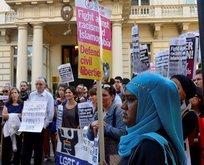 Londra'da tesettür yasağına protesto