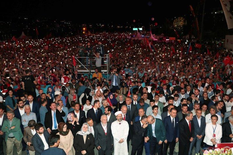 Milyonlar 15 Temmuz Şehitler Köprüsüne akın etti