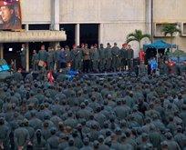 Yüzlerce asker böyle karşıladı