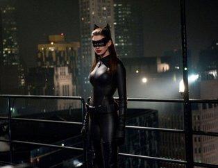 'Kedi Kadın' Anne Hathaway kimdir? İşte süper kahramanların gerçek hayattaki halleri