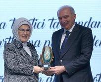 """Geri dönüşümde """"yenilikçilik"""" ödülü İBB'ye"""