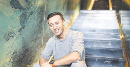Mustafa Sandal, MS hastası bir annenin çağrısına kayıtsız kalmadı