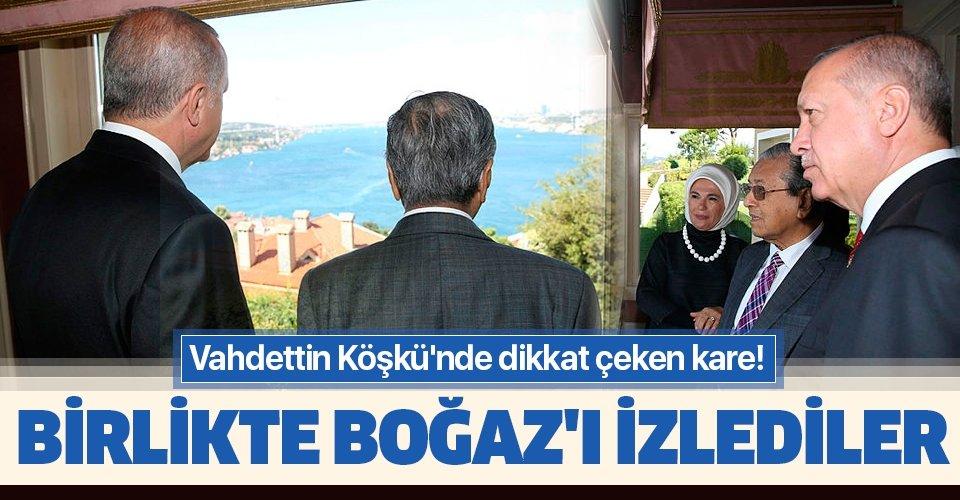Vahdettin Köşkü'nde dikkat çeken kare! Başkan Erdoğan ve Malezya Başbakanı Muhammed Boğaz'ı birlikte seyretti