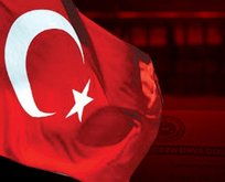 'Tepki amaçlı paylaştım' dedi... Türk bayrağına çok çirkin hakaret