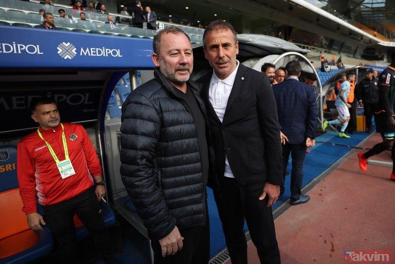 Medipol Başakşehir Başkanı Gümüşdağ Emre Belözoğlu transferini duyurdu