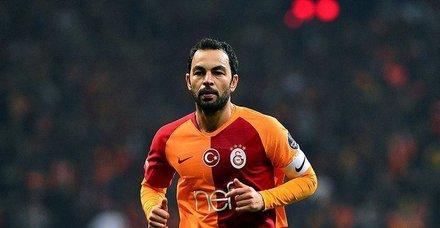 Galatasaray, Selçuk İnan'ın sözleşmesini 1 yıllığına uzattı