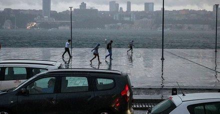 Son dakika: Yağışlı hava kaç gün sürecek? Hafta sonu İstanbulda hava nasıl olacak?