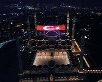 Çamlıca Camisi'nin Ramazan mahyası görüntülendi