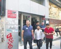 Atatürk'ün partisine haciz getirdiler