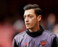 Mesut Özil koptu geliyor