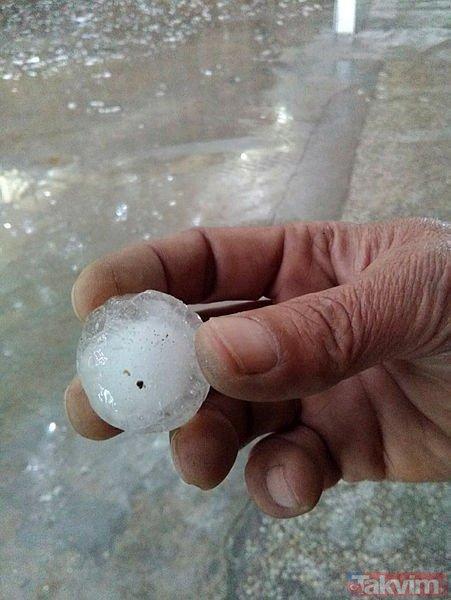 Ankara'da dolu yağışı hayatı felç etti