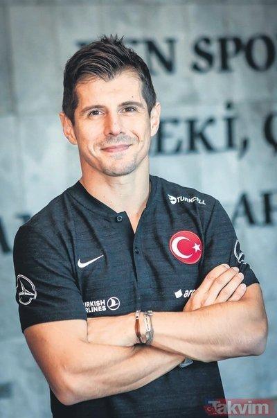 Fenerbahçe ve Milli Takımızın kaptanı Emre Belözoğlu: Her Türk vatandaşı Barış Pınarı Harekatı'nı desteklemeli