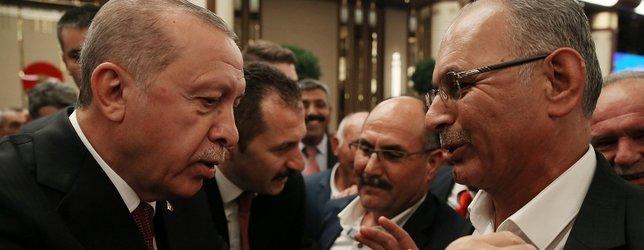 Beştepeye gelen muhtar Başkan Erdoğana fena yakalandı