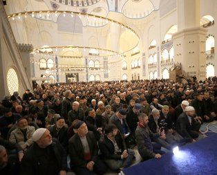 Çamlıca Camii'nde Berat Kandili coşkusu