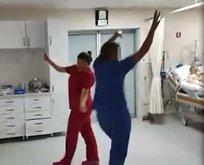 Yoğun bakımda oynayan sağlık çalışanları...