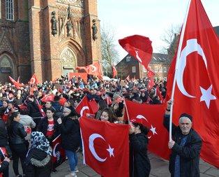 Almanyada Mehmetçiğe destek mitingi