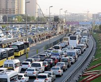 Yola çıkacaklar dikkat! İstanbul'da yağmur trafiği