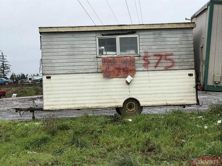 Kira vermekten bıkınca 350 liraya kendi evini yaptı!