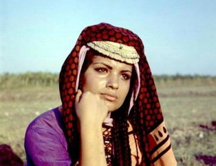 'Salako' filminin 'Emine'si Meral Zeren son görüntüsüyle hayrete düşürdü