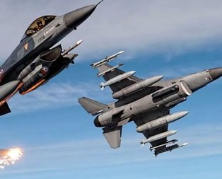 Ülke şokta! İki savaş uçağı havada çarpıştı!