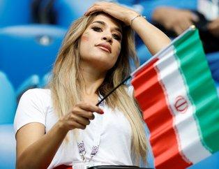 Fas - İran maçında tribünden renkli görüntüler