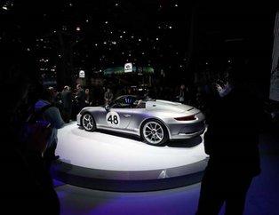 New York Otomobil Fuarı'ndaki otomobiller görenleri büyüledi