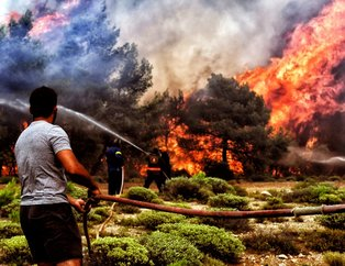 Yunanistanda acı bilanço artıyor! Dehşete düşüren görüntüler!