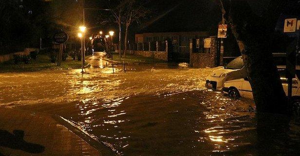 Altyapı yetmeyince İzmir'i yine sel vurdu