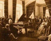 Hangi besteci Sultan Abdülmecid'e piyano çalmıştır?