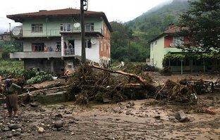 Zonguldak'ta heyelan! 6 ev kullanılamaz hale geldi
